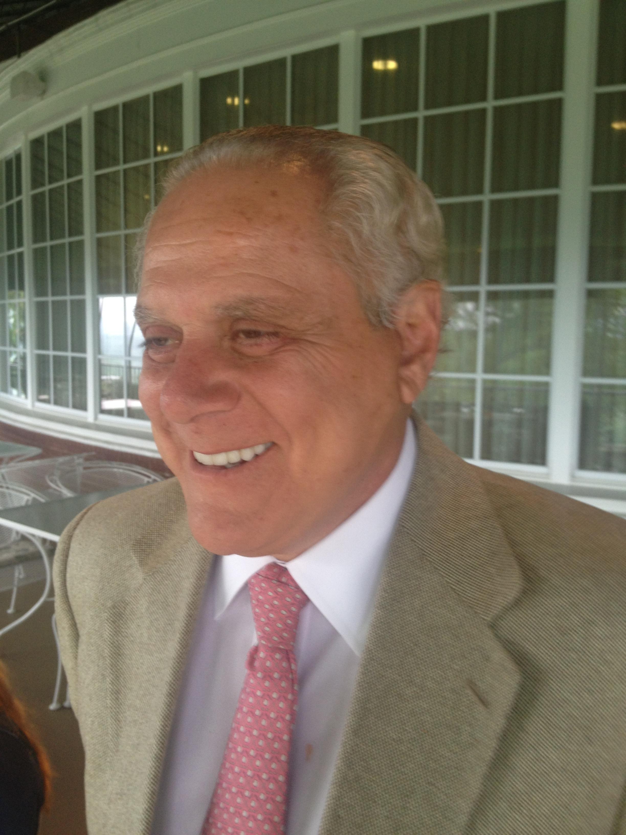 Dr. Oliver W. Caminos